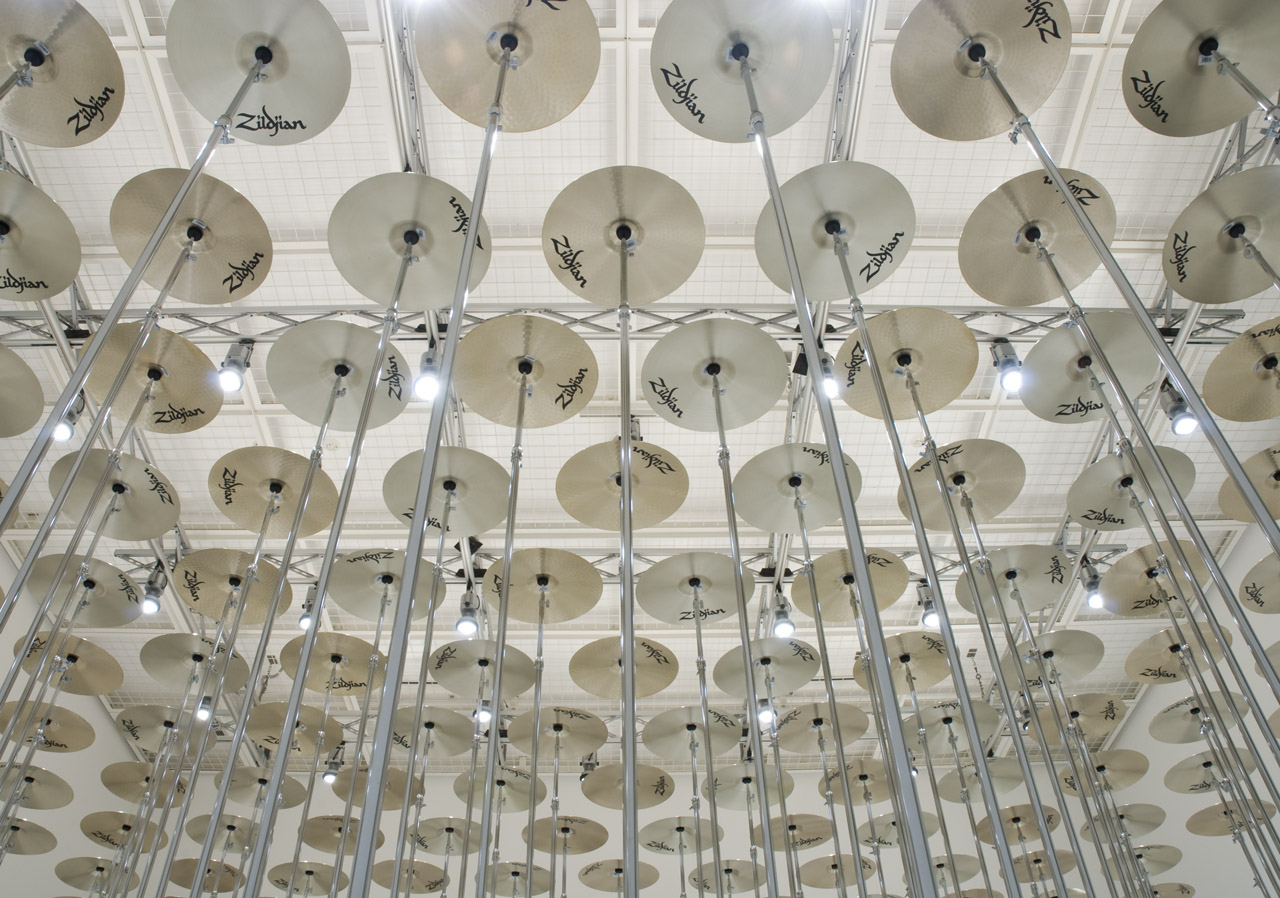'flooring' Cymbal, cymbal stand 2008 Photo: Ken Kato